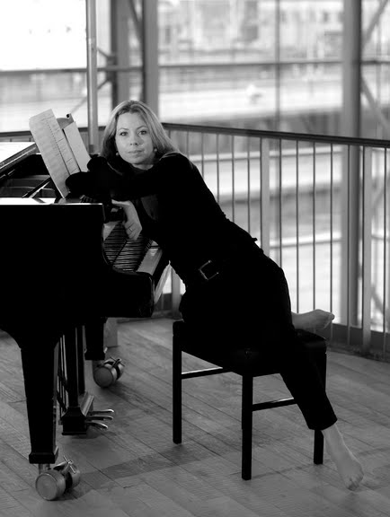 Svitlana Azarova aan het IJ ©2009 Michel Marang