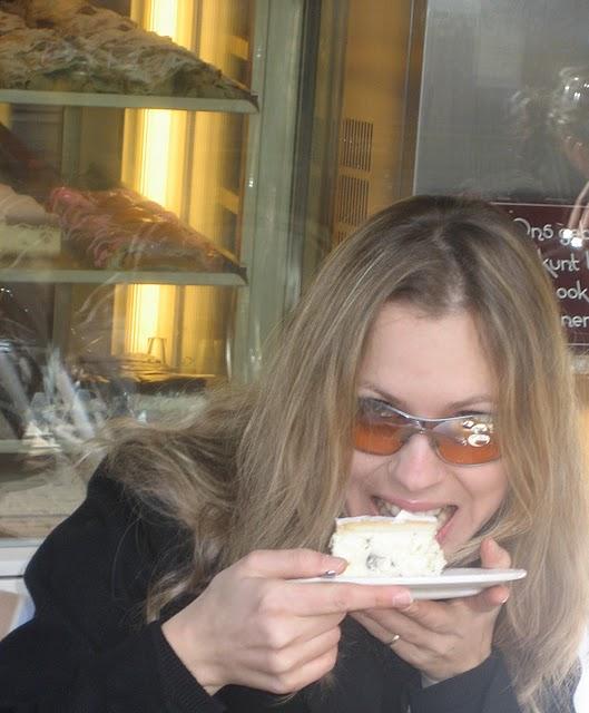 Svitlana Azarova at the Wiener Konditor, The Hague